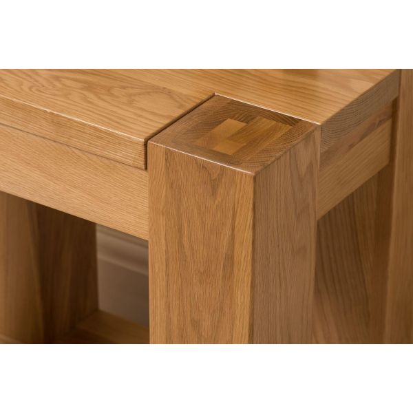 kuba Solid Oak lamp table top corner